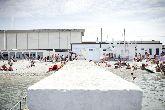 Sur cette plage italienne, les hommes et les femmes se baignent s�par�ment