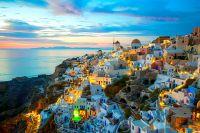 Bonifacio, Santorin, Manarola... les plus beaux villages au bord d'une falaise