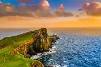 Scozia scoperte 50 impronte di dinosauro sito archeologico isola di Skye