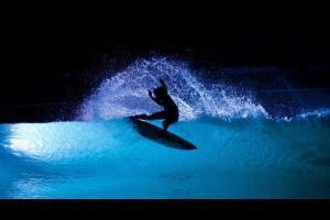 ya es posible surfear de noche