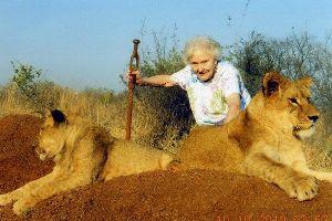 Mary Lou Mahaney fait le tour du monde � 90 ans