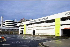 Dubliner Flughafen: Feuer legt Flugverkehr lahm