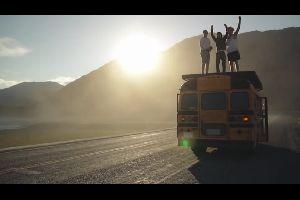 8 �tudiants retapent un bus pour un road trip