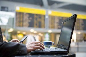 Ya ha llegado el WiFi gratis a todos los aeropuertos de Aena