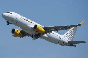 Vueling más vuelos a Barcelona desde A Coruña y nueva ruta a Valencia
