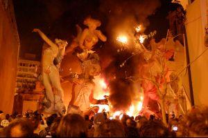 La primavera de Las Fallas a Valencia, le origini e i festeggiamenti per l'arrivo della bella stagione