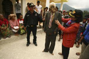 Il rito funebre dei Toraja nell'isola Sulawesi in Indonesia