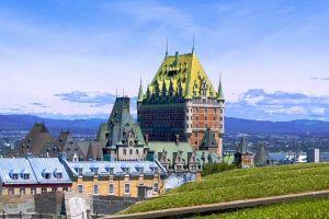 Billet d'avion la compagnie aérienne Air France relie Montréal à Québec en autocar