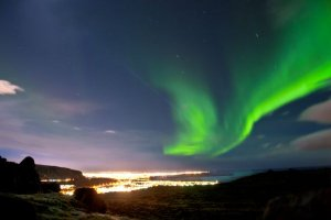 Reykjavik turns off street lights for Northern Lights viewing