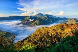 8 incredible volcanoes