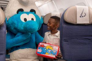 Les Schtroumpfs accompagnent les enfants chez Brussels Airlines