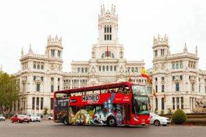 Madrid Wo auf Stadtbussen Gärten wachsen
