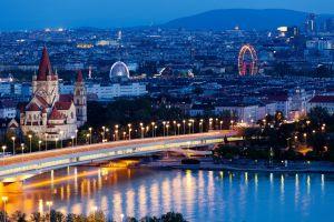 Iniziativa dello Shades Tour a Vienna, dove il clochard é una guida turistica