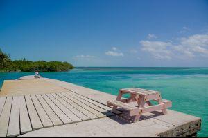 Airbnb affitta un'isola stile Robinson Crusoe al largo del Belize
