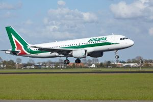 Alitalia airline cabin crew strike due to extra toilet cleaning