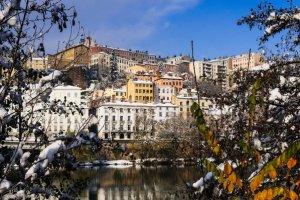 Avec un billet d'avion pas cher Toulouse - Lyon, découvrez encore plus notre belle France