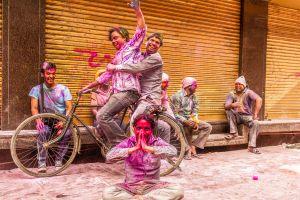 So feiert die Welt das Holi-Fest