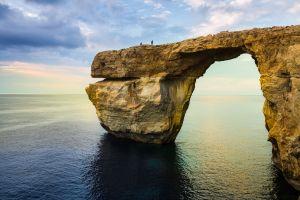 Une célèbre arche naturelle s'est effondrée à Malte  la fenetre d'Azur