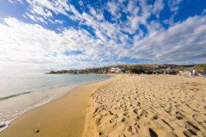 La compagnie aérienne Air Austral propose des billets d'avion à prix mini vers la Réunion