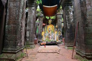 Après un voyage en Asie  au Laos, au Vietnam en Indonésie... Il réalise une superbe vidéo