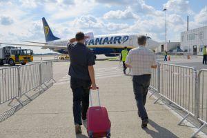 Compagnie aérienne Ryanair débarquent trois hommes pour leur comportement perturbateur