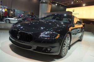 Singapour distributeur voitures luxe