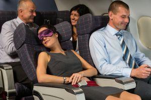 erguir o reclinar la silla del avión