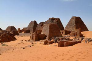 recorrido piramides antiguo reino reino de kush sudan