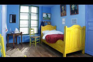 Voyage aux Pays Bas dans la chambre du tableau de Van Gogh à Arles