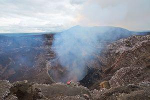 Amanti delle sensazioni forti partite in nicaragua scoprire sport volcano boarding