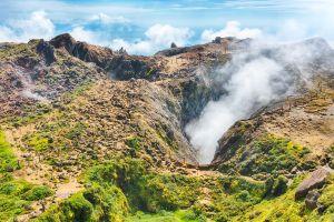 bagni di fango nei crateri del vulcano dei caraibi di santa lucia spa antille