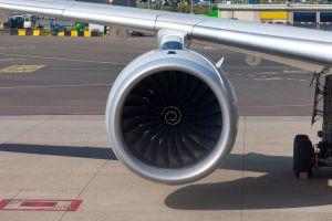 Une pièce dans réacteur avion China Southern Airlines