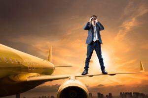 Compagnia low cost vuole introdurre i posti in piedi nei voli per risparmiare