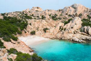 Sardegna 10 fari saranno trasformati in bar musei alberghi hotel di lusso