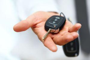 alquilar un coche por un euro ahora es posible gracias a la plataforma driiveme