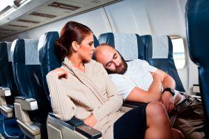 Sexe, alcool, bagarres... Le gouvernement des Baléares veut bannir l'alcool à bord des avions