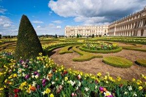 Insolite un tourbillon de sable surgit au château de Versailles