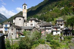 video viral que te lleva hasta lavertezzo pueblo suizo que esta siendo invadido por los turistas