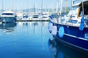 Manque d'eau des plaisanciers bloqués au port de Toul
