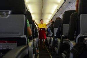 evita estas 10 actitudes que odiaran las tripulaciones de los aviones