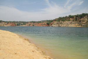 in Indien erwacht ein Fluss zum Leben