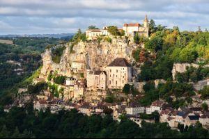 una campaña de crowdfunding de adopte un chateau para salvar el castillo frances de paluel