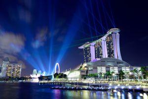 Nachtleben in verschiedenen Metropolen der Welt