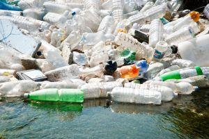 Un continent de déchets plastiques flotte dans le Pacific