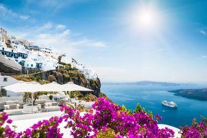 Piscine privée cachée dans les suites du Dana Villas and Suites en Grèce