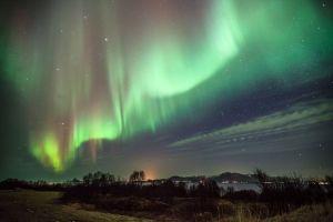 Hébergement de luxe avec spa original construit en pleine nature islandaise