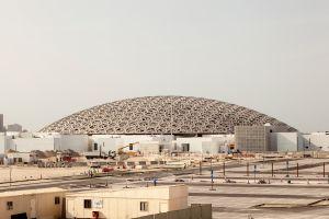 Louvre mitten in Abu Dhabi