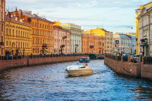 Arichtektonisch durch Sankt Petersburg