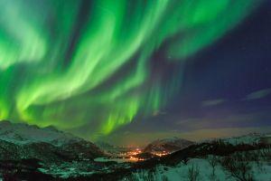 Finlande  aurores boréales dans un lac gelé