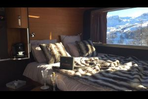Voyage à La Plagne dormir dans une dameuse